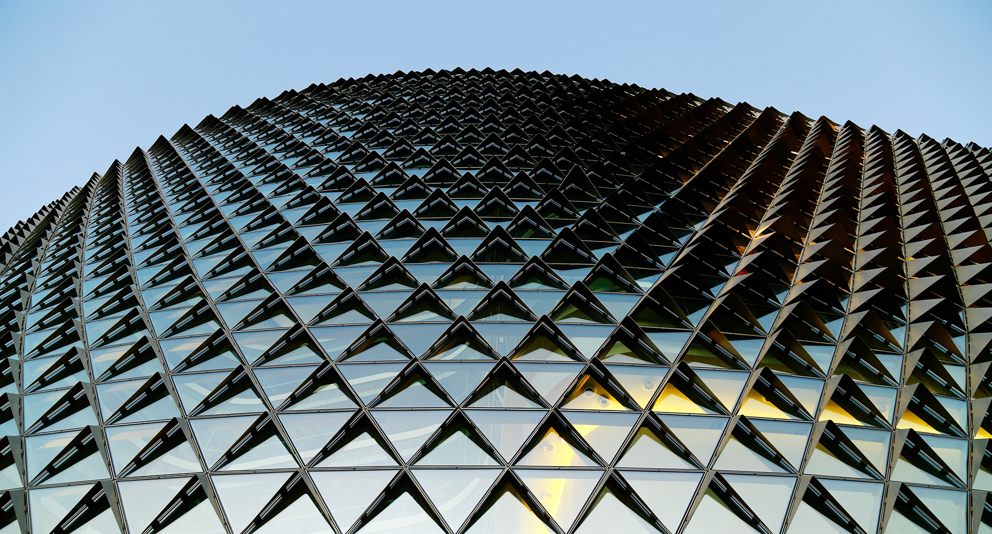 glass-building-1149726-2